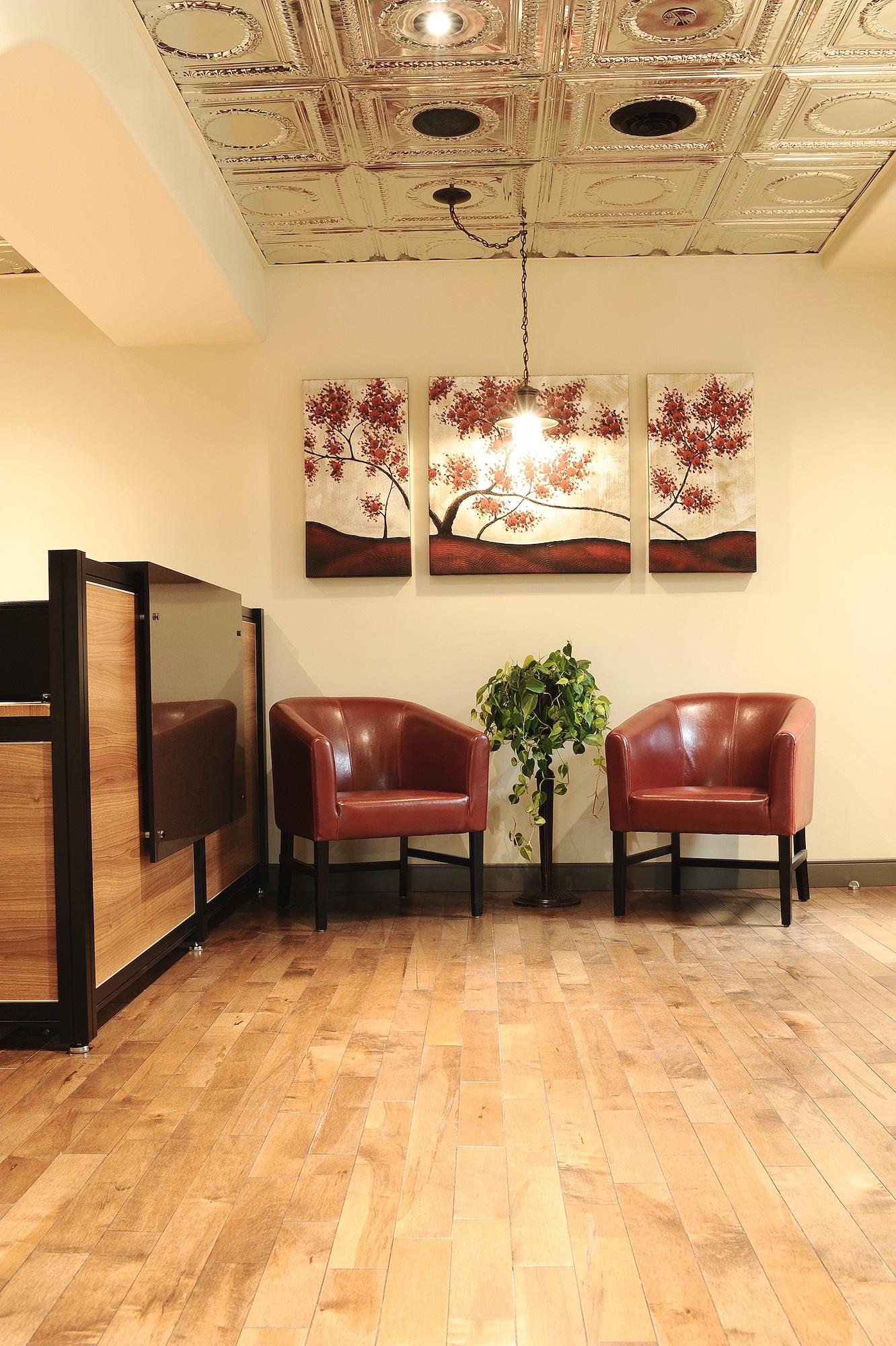 1 Sitting Area Chairs.JPG