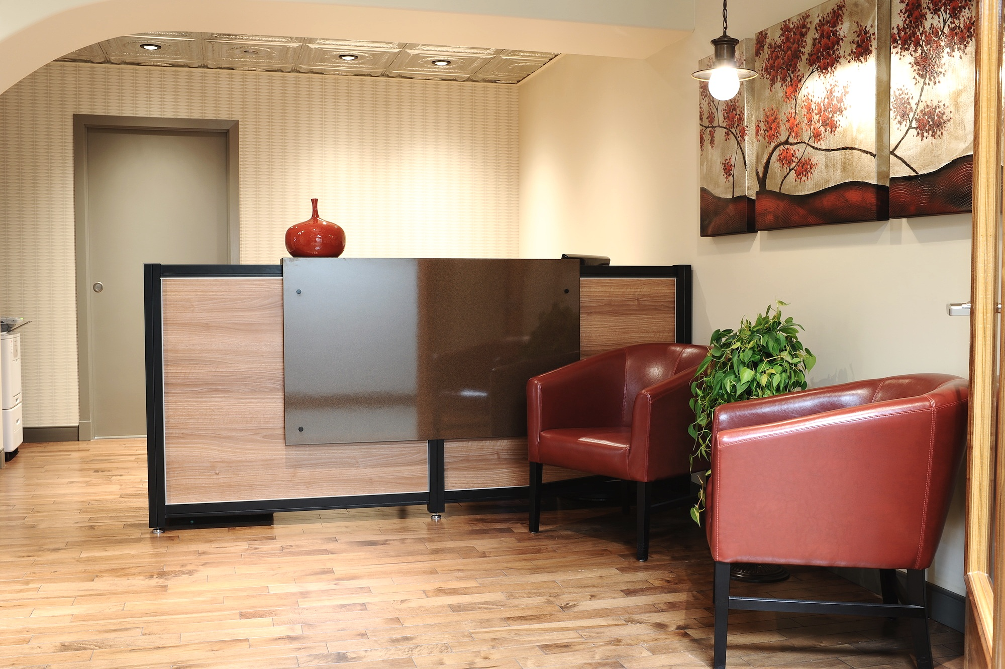 2 Sitting Area.JPG