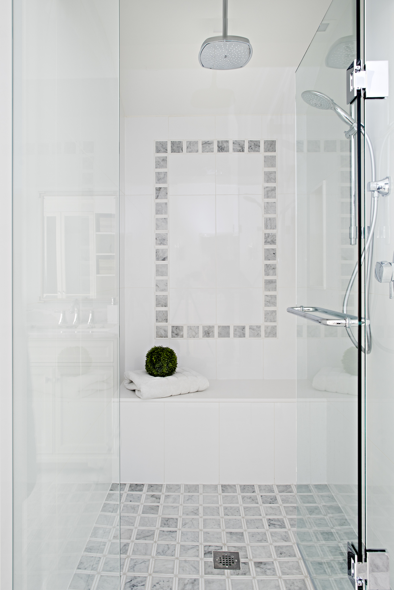 17 Bathroom Shower.jpg