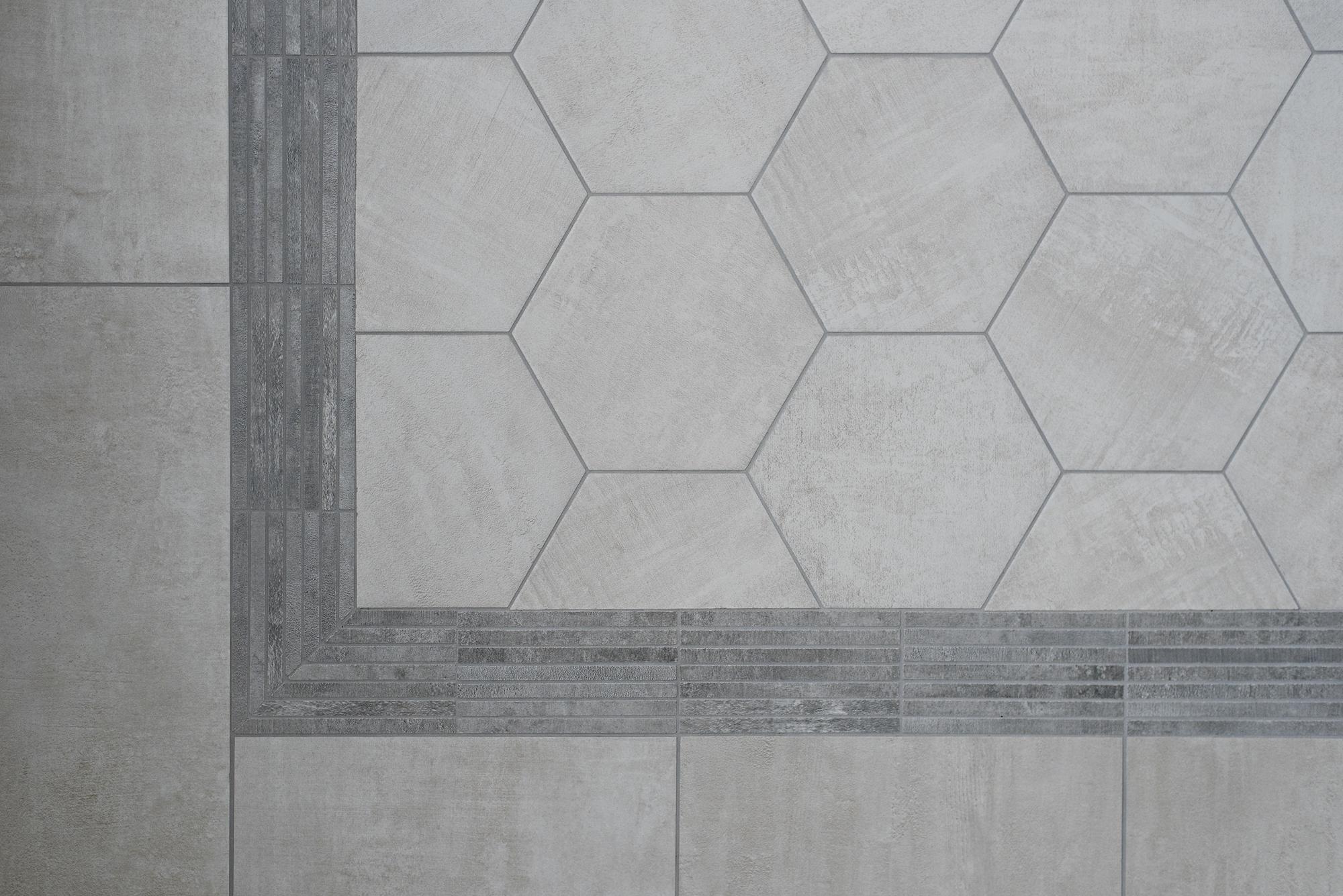 23 Shower Accent Tile.jpg