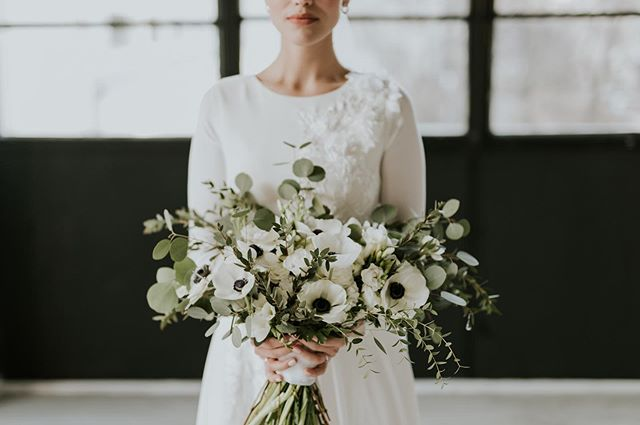 anemone bouquet🌿🖤 . . #wedding #bouquet #weddingbouquet #flower #greenery #bride #weddinghair #weddingmakeup #weddingdress #weddingphoto #love #loveisintheair #bridetobe #instabride #bride2019 #instadaily #weddingdecor  #weddingflowers #weddingtime #weddingparty #weddingphoto #weddings #weddingday #weddingideas #weddinginspiration #beautifulbride