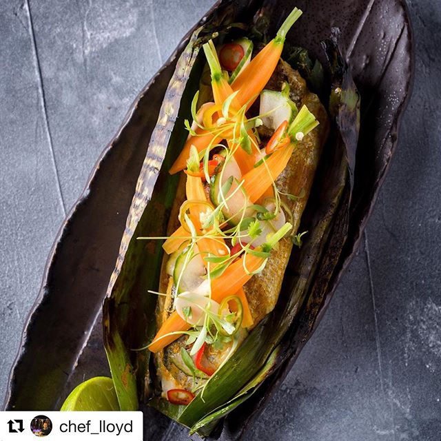 #Repost @chef_lloyd with @get_repost ・・・ Boneless Whole Sea Bass from @reachfoodservice Indonesian Style #pepesan - #westjava Wrapped in Banana leaf and grilled. Served with Pickled Vegetables #tasteofindonesia #wonderfulindonesia @stickymangoldn @indtravel @goodindonesianfood