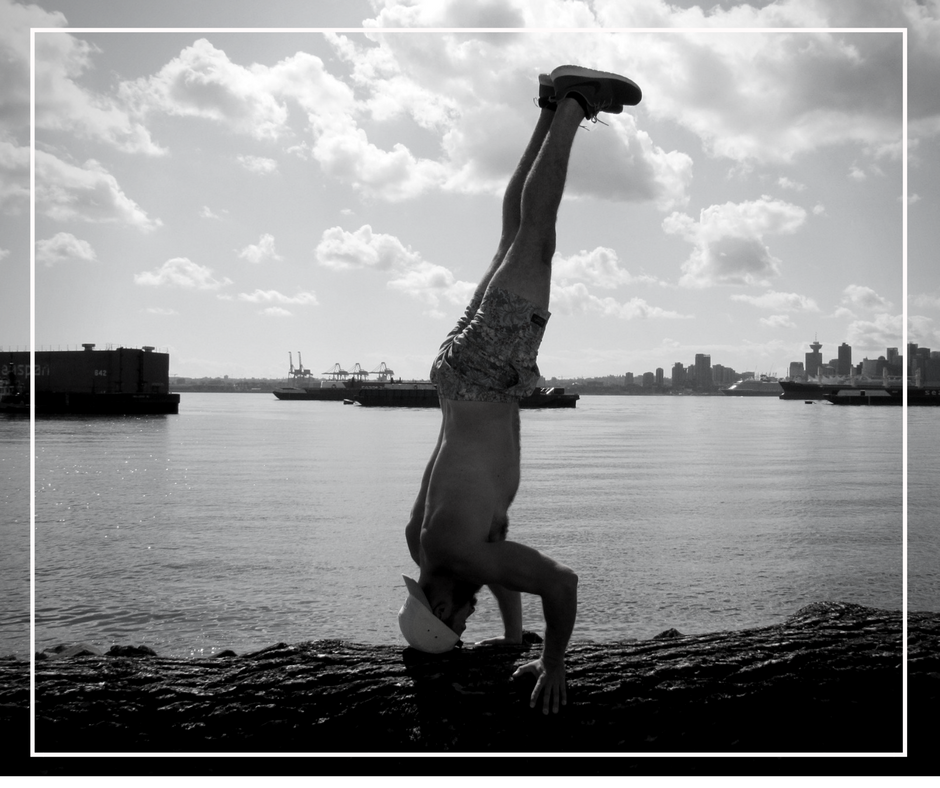 HUSTLE & FLOW   Need we say more? A mix of bodyweight based movements requiring nothing more than your hustle followed by a blend of flow inspired yoga,myofacial release and stretching techniques. And yes this one's for you too boys. Perfect for the athlete and everyone else. Great choice for active recovery day.