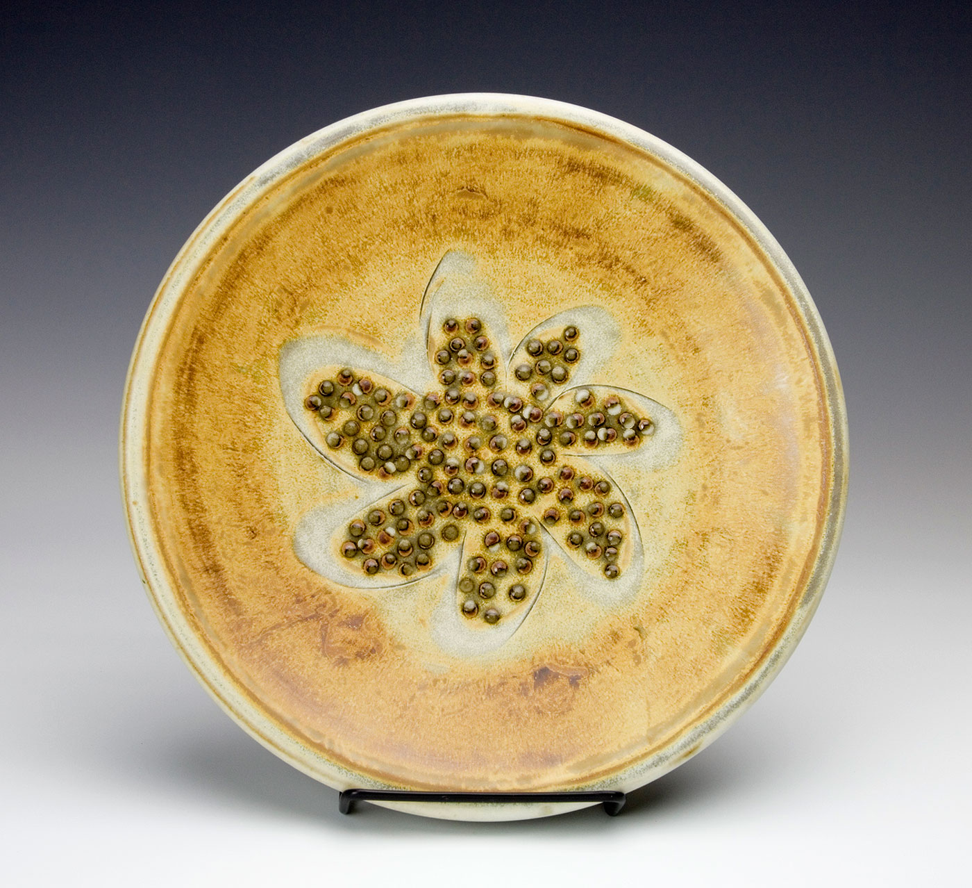Plate-Abstract-Flower-design-on-plate-Samantha-Henneke-Seagrove-Pottery.jpg