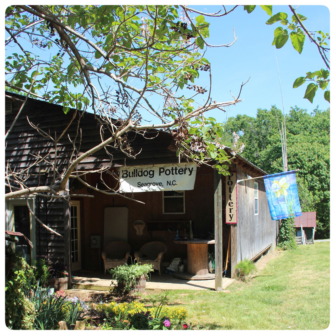 Bulldog Pottery shop, a contemporary Seagrove Pottery, in North Carolina