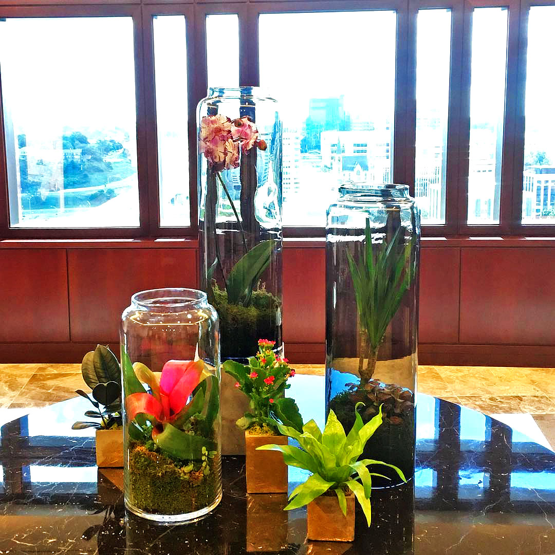Corporate - Custom flower arrangements exactly to your specifications. Dining halls, breweries, class trips — spend time together in professionally-designed spaces optimized for success.