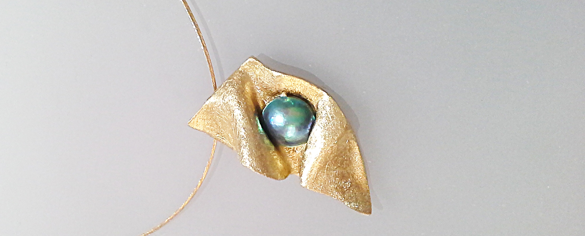 Alizee pendant and Blue Pearl