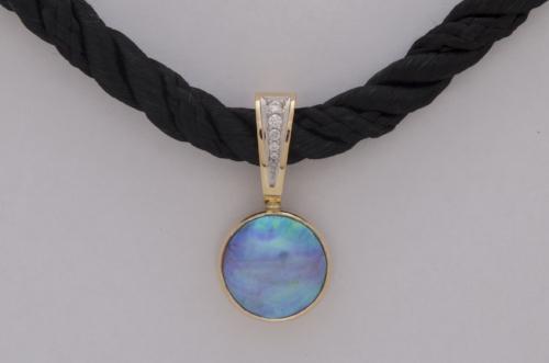 Blue Pearls Gallery - Classic diamond enhancer