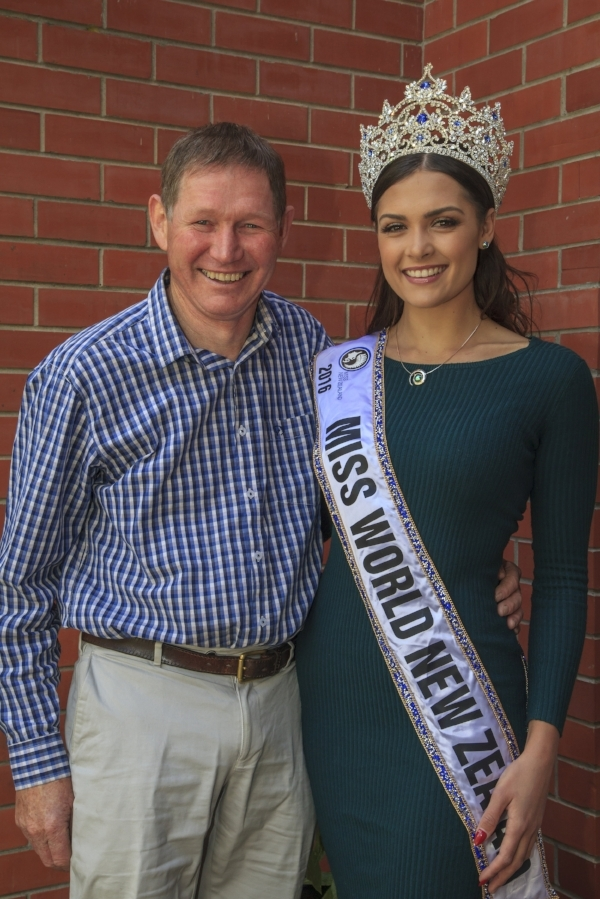 Miss World New Zealand 2016 Karla, wearing the Koru Pearl with Roger Beattie