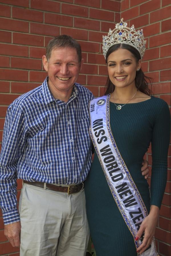 Miss World New Zealand 2016 Karla, wearing the Koru Pearl with Roger Beattie