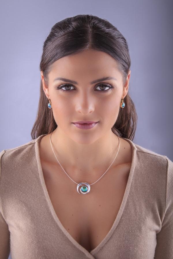 Karla de Beer with the Koru Pearl
