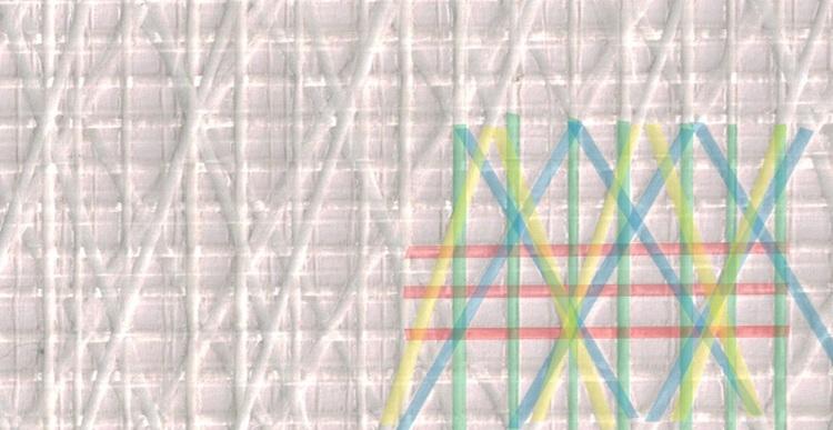 Bild 1   . Varptrådarna är röda, väfttrådarna är gröna, första X-tråden som har en vinkel på 20° är gul och den andra X-tråden med en vinkel på 30° är blå. De två X-trådarna ligger närmare väften och hjälper därmed till med att ta upp mer av lasterna i akterliket där de största krafterna går.