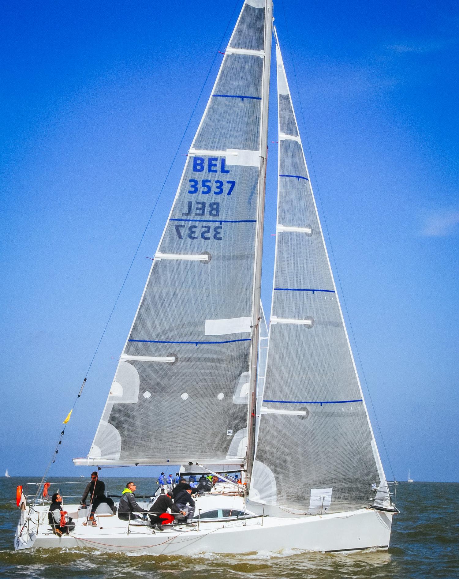UK+Sailmakers+Horizontal+Battens+Genoa+A35+Tontin.jpg