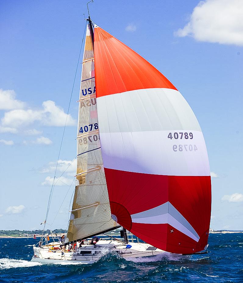 En A3:a på Express 37:an LORA ANN vid starten på Newport till Bermuda Race.