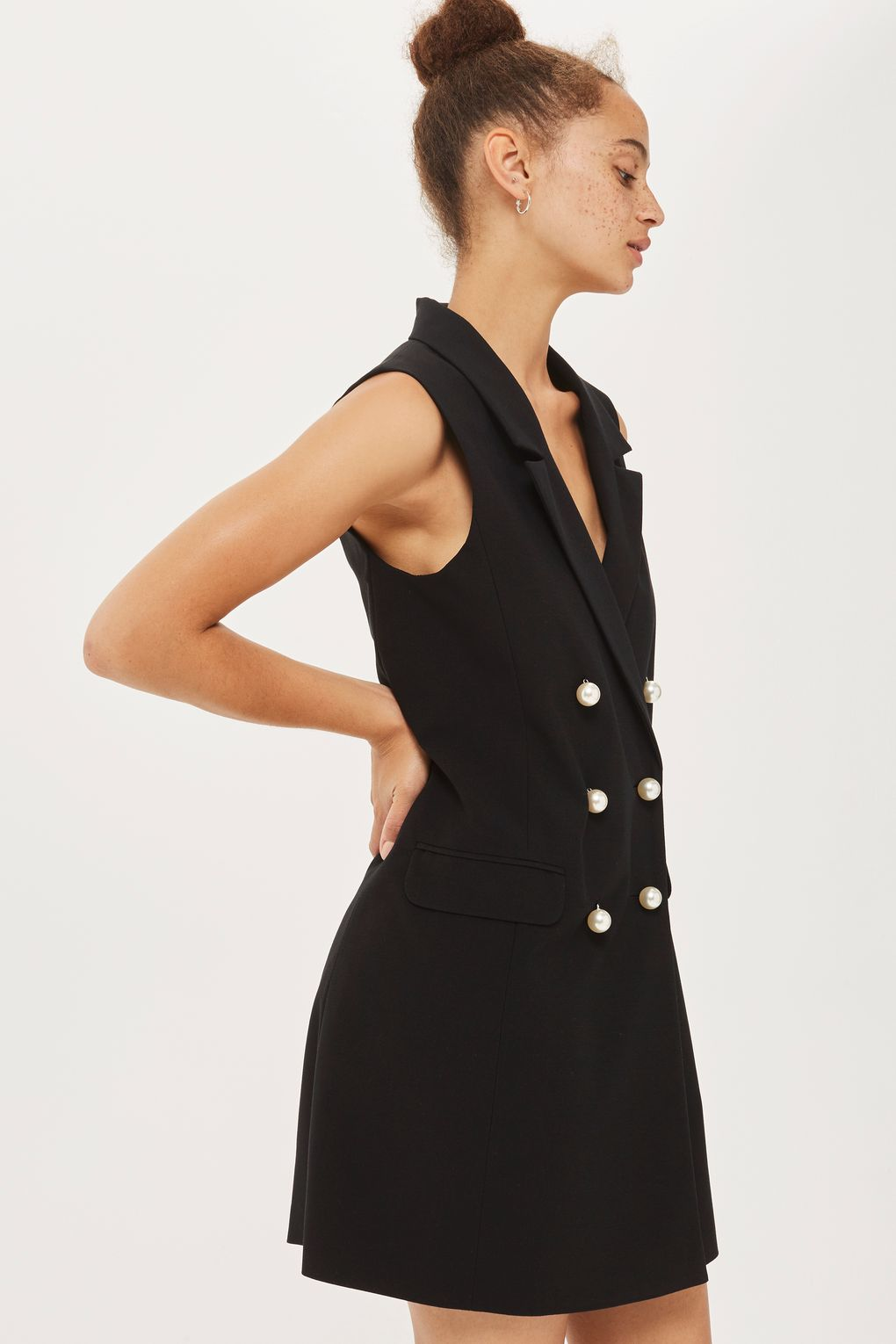 Pearl Button Sleeveless Jacket
