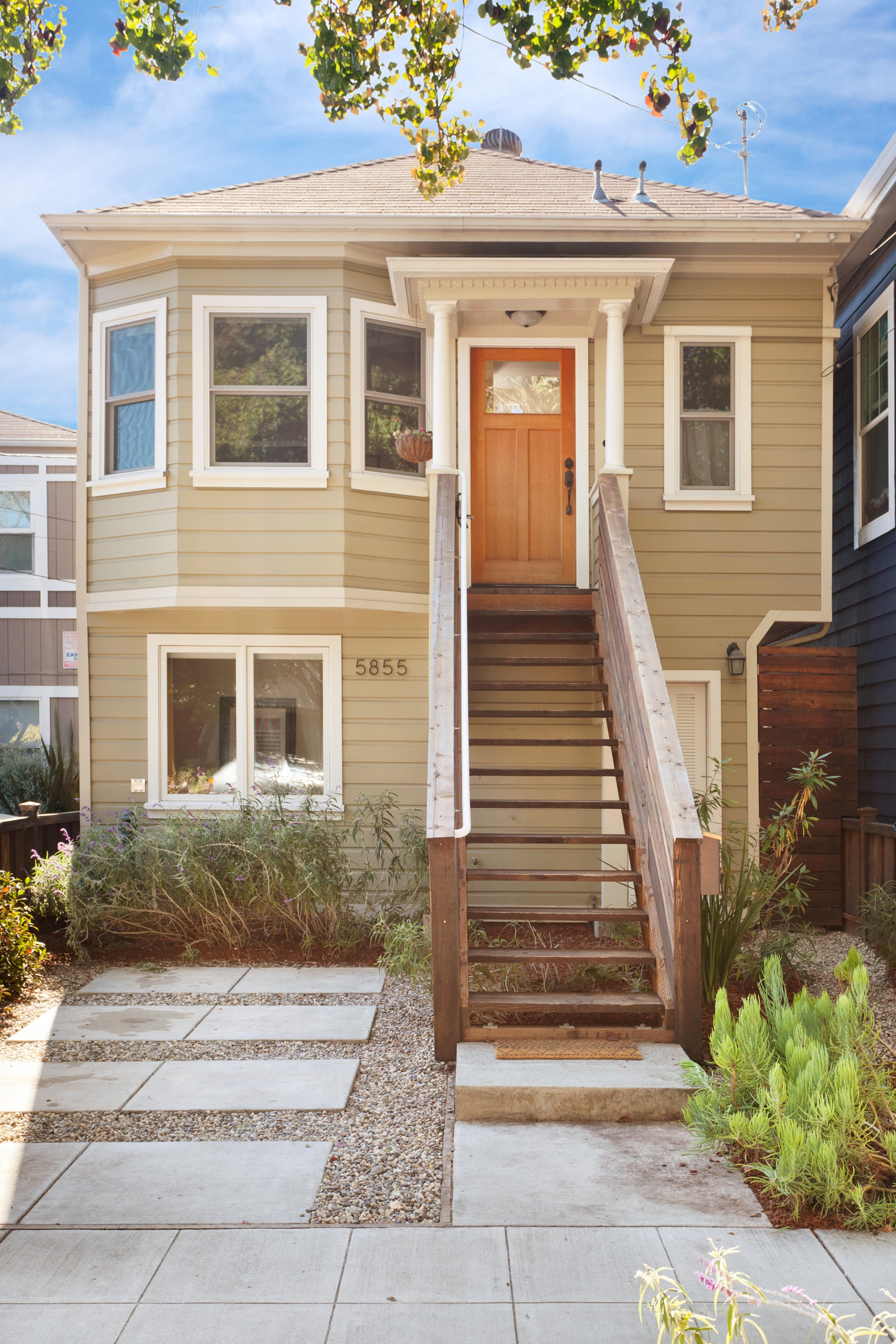 SOLD | 5855 VALLEJO STREET, EMERYVILLE $950,000