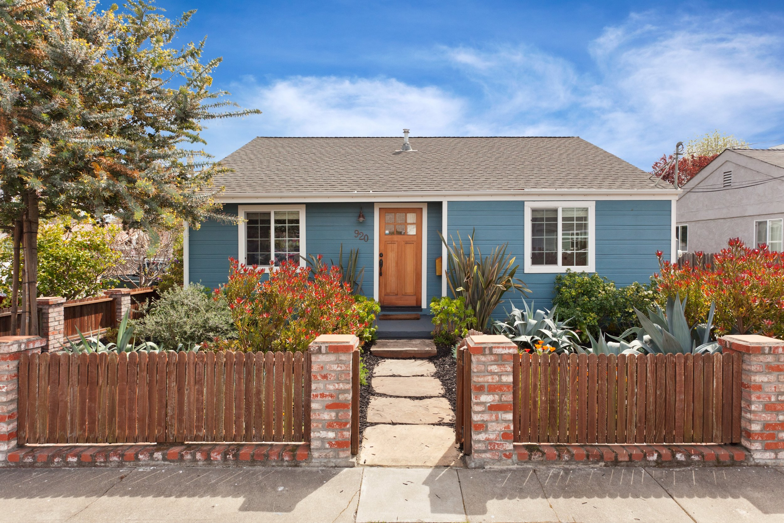 SOLD | 920 BATAAN AVENUE, BERKELEY $1,135,000