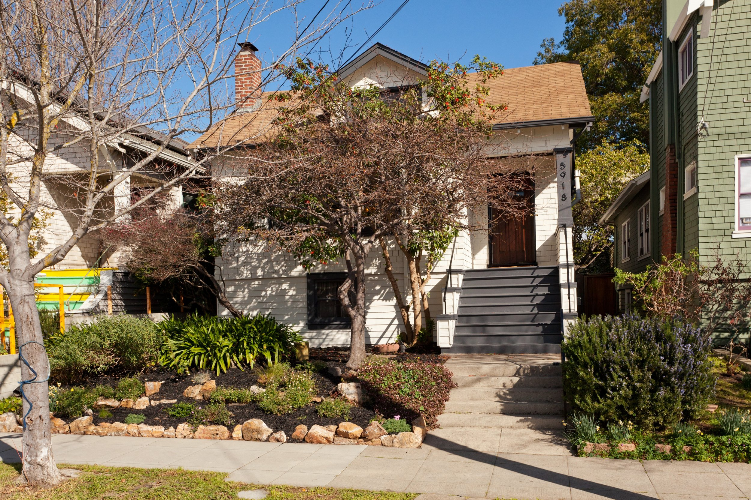 SOLD | 5918 DOVER STREET, OAKLAND $903,000