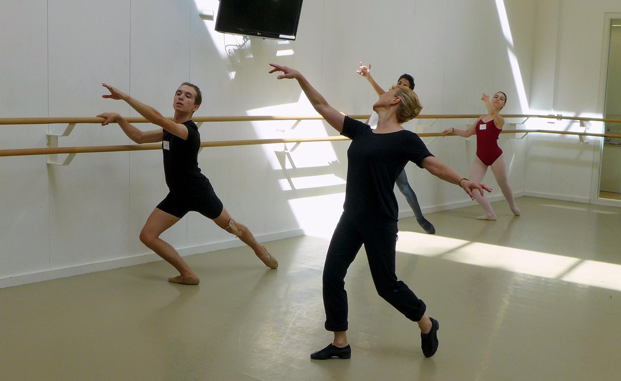 Gillian Toogood - Ballet 3.JPG