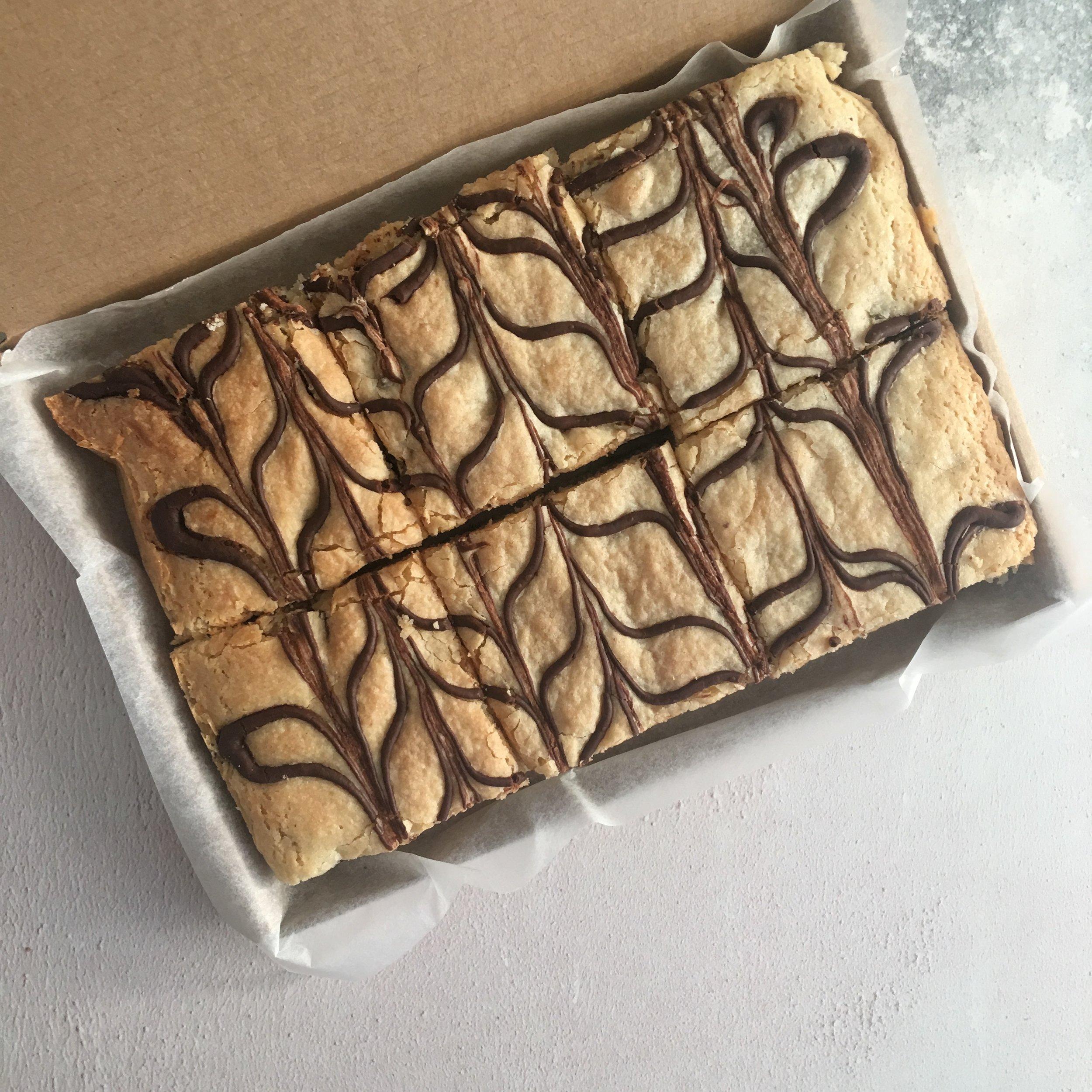 chocolate chip blondies.png