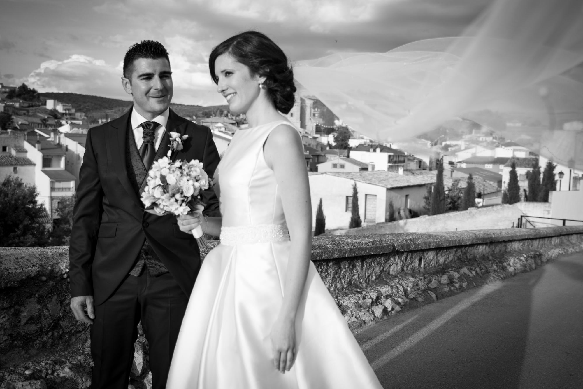 fotografia-de-boda-blanco y negro.jpg