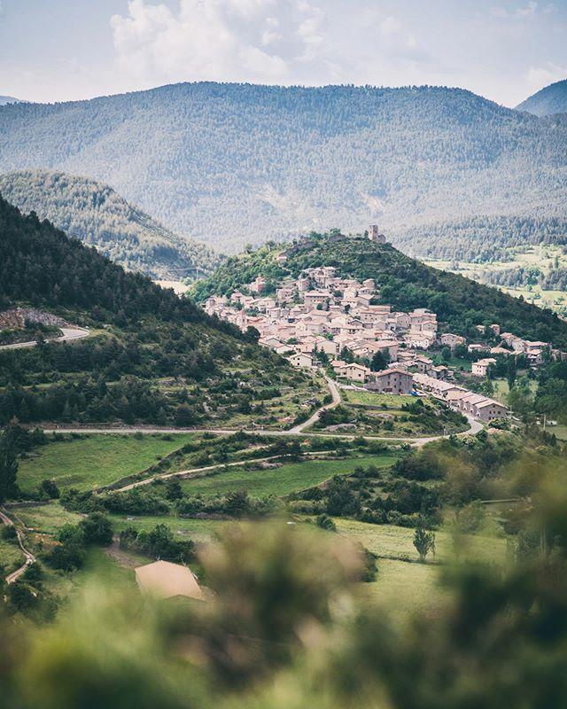 Gósol (Lleida) . . #SoyTraveler #Gósol #España #Spain #SitiosdeEspaña #Lleida #Cataluña #YoSoyTraveler #Igersspain #somosinstagramers #igerscatalunya #igerscataluña #visitspain #iamtraveler