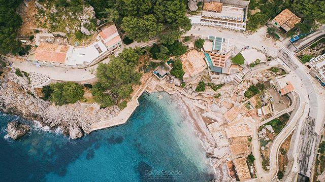 Sa Calobra (Mallorca) . . #Mallorca #SaCalobra #IgersMallorca #Igmallorca #igersbaleares #igersspain #somosinstagramers #dji #djiphamtom4 #djiphamtom4pro #dronestagram #drone #dron #SitiosdeEspaña #VisitSpain  #MallorcaIrreSIXTible