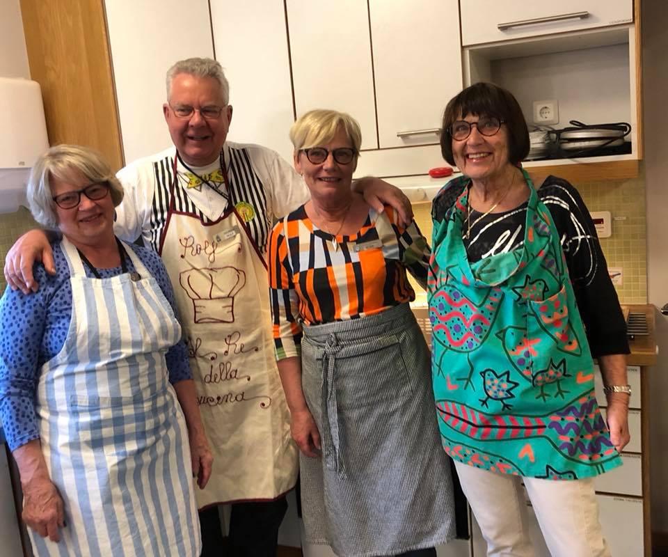 Rolf lagar mat.jpg