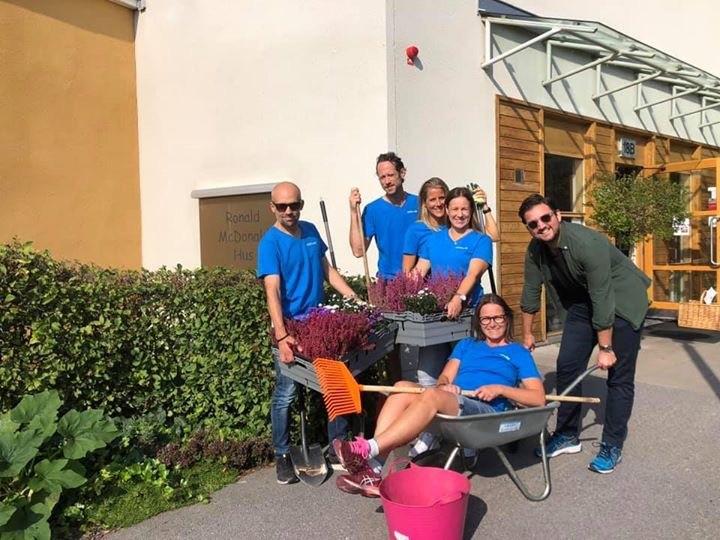 Här är gänget som besökte Ronald McDonald Hus i Linköping!