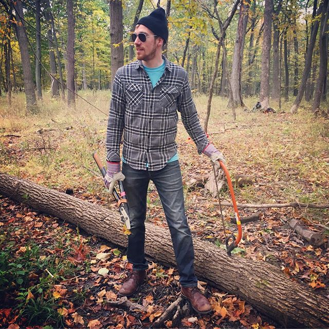 Thinking back to better weather and bonfires 🔥 with friends.  Had a great time volunteering with @kelloggcares last week, cutting down invasive species to help restore ecological balance at Somme Woods. #flannel #kelloggcaresday 📸: @andiatkinfischer