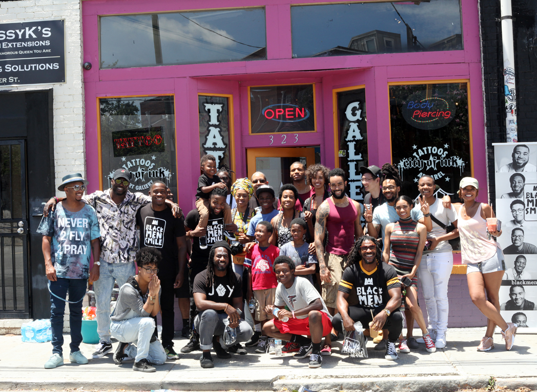 Photo Walk participants gather in Castleberry Hill at the World Famous City of Ink. Photo by Jessica Noel