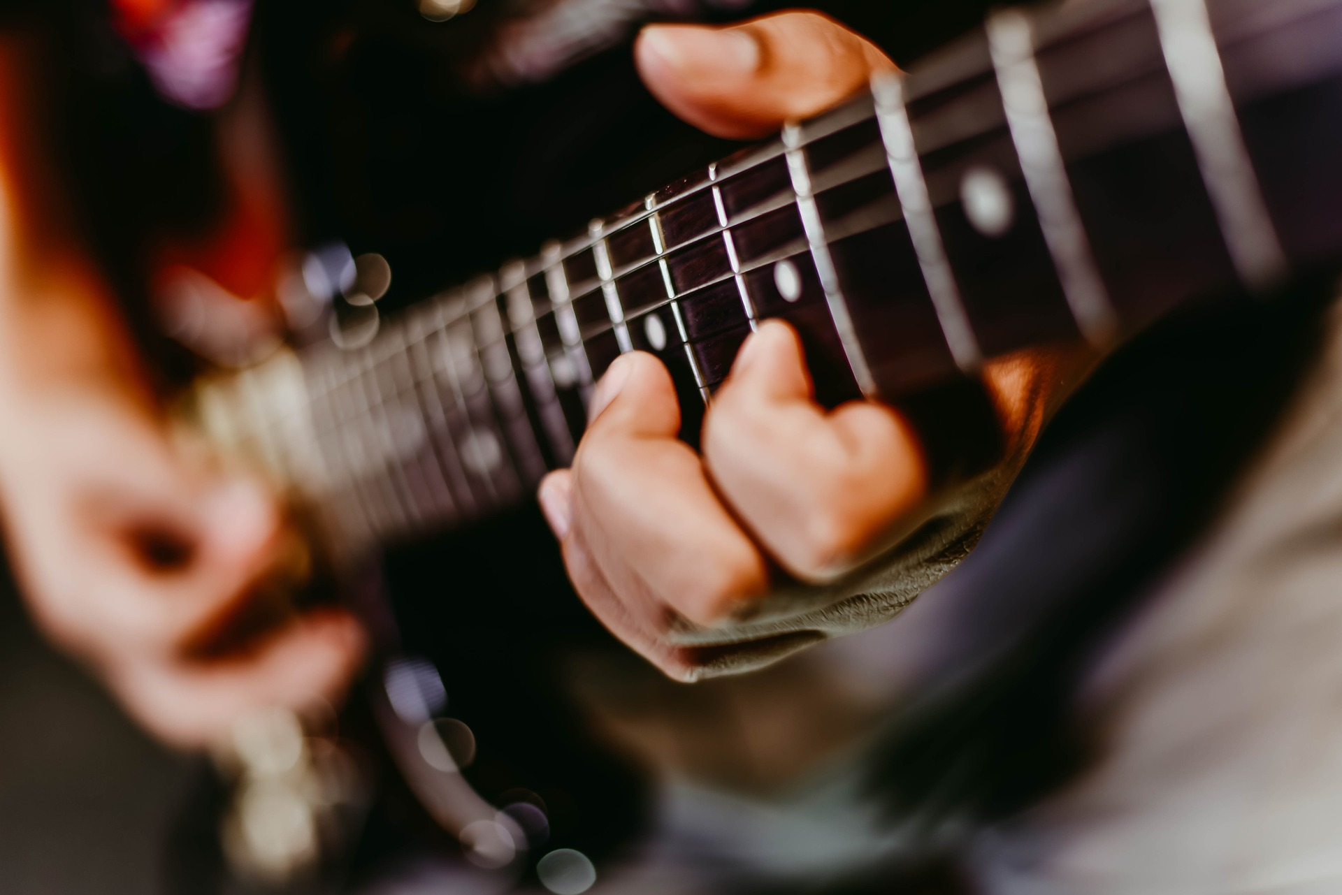 electric-guitar-tuition-glasgow