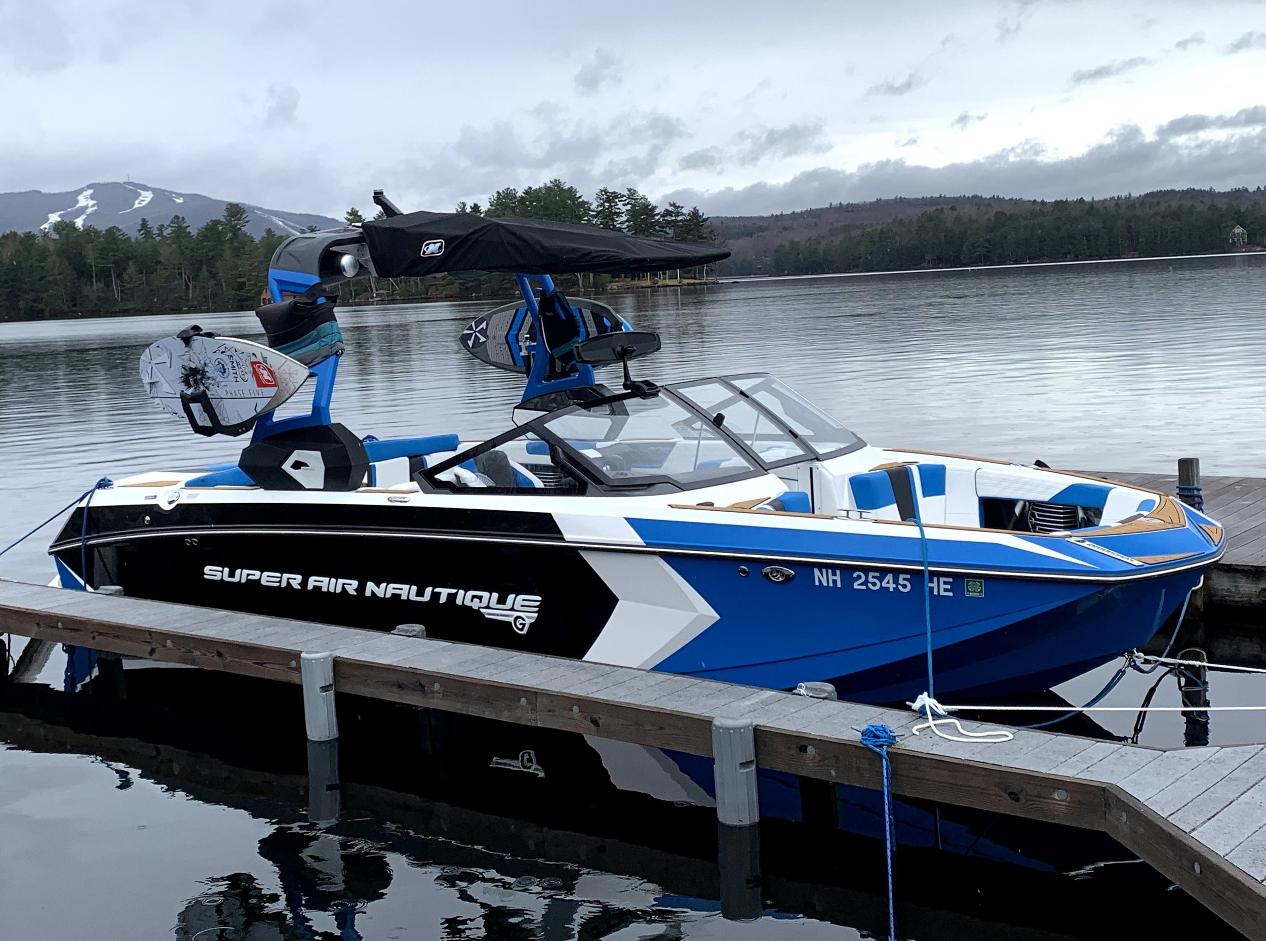 Super Air Nautique G23 Wakesurf Boat
