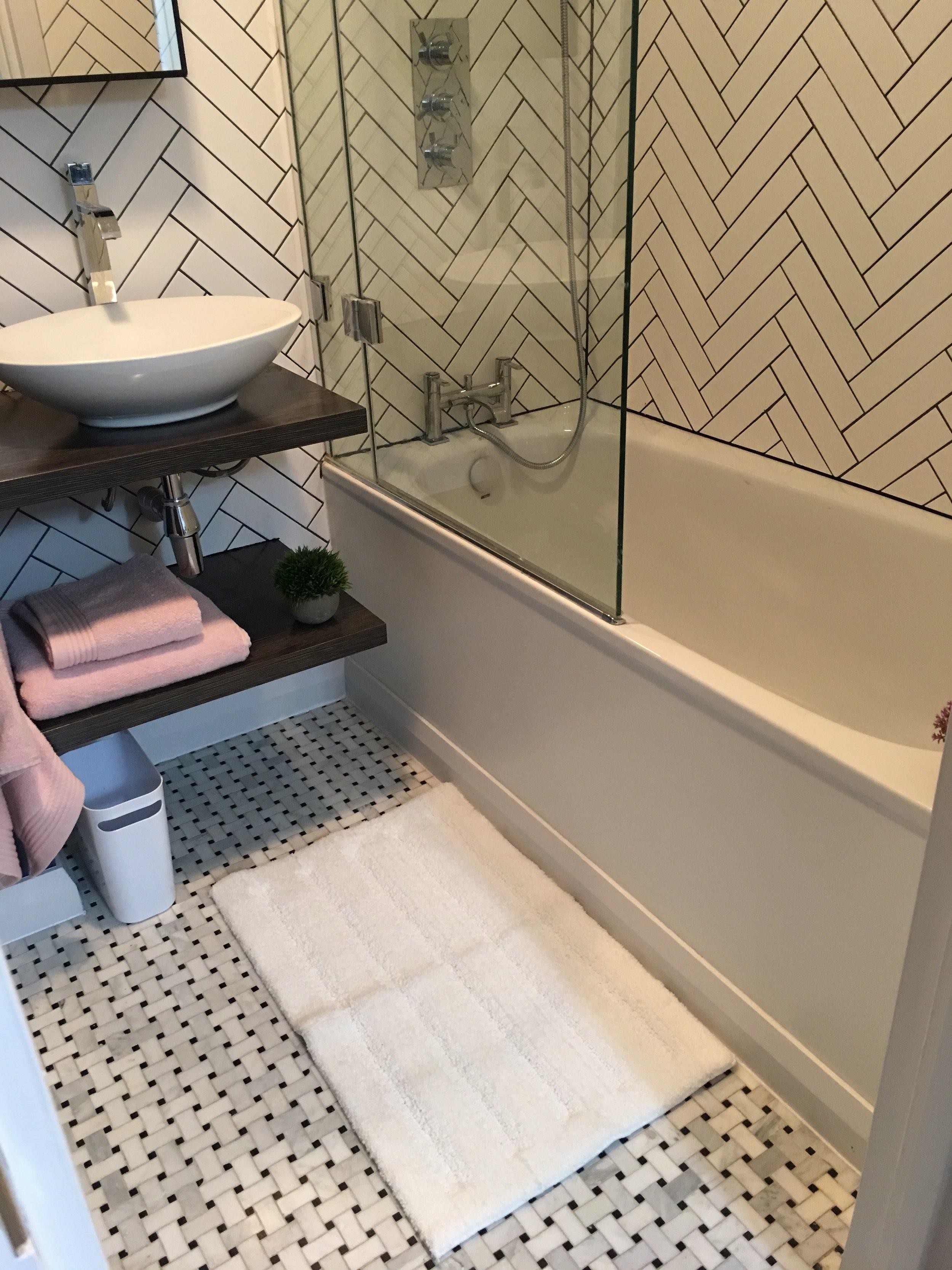 bathroom_tiles.JPG