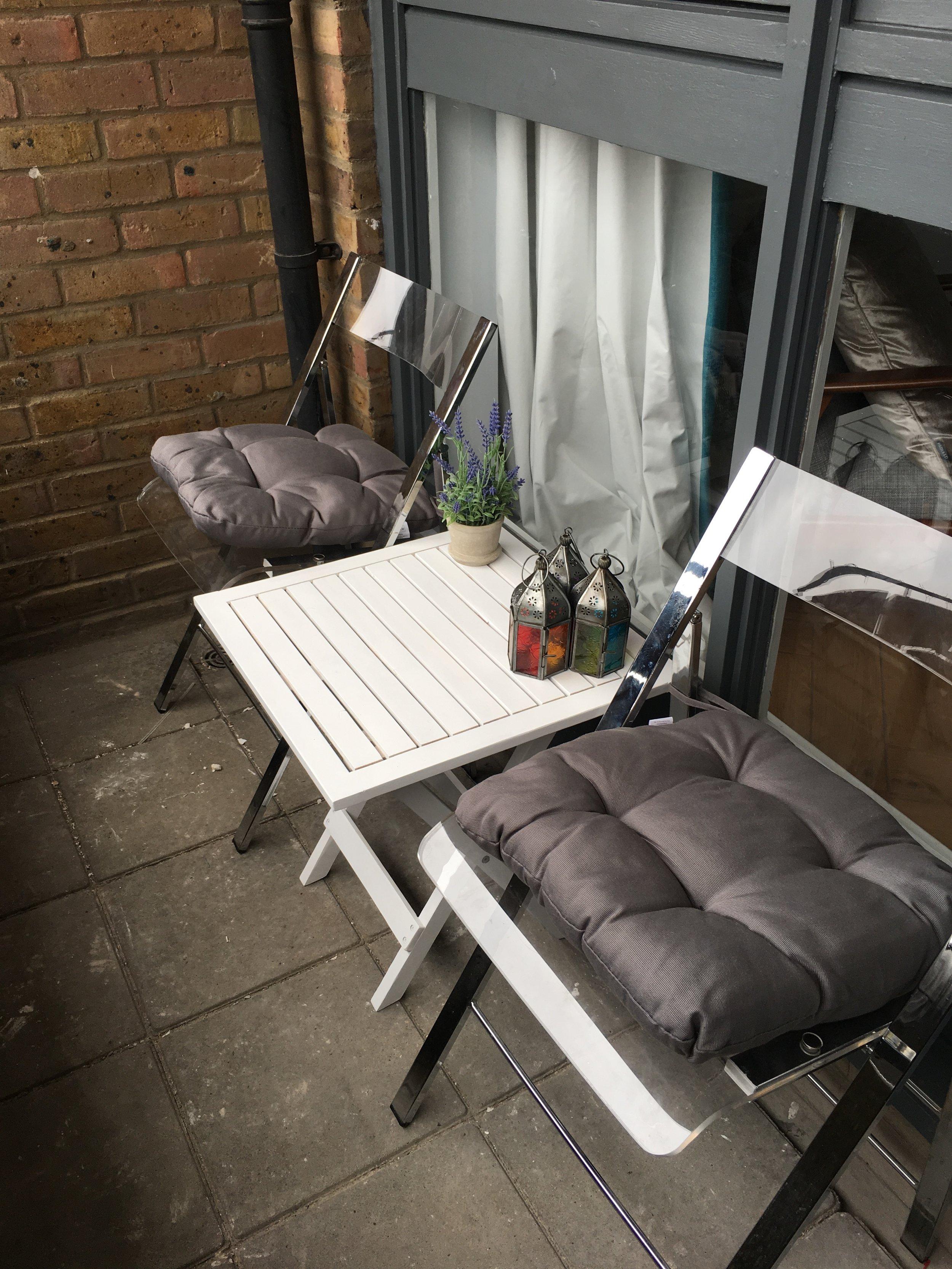 patio_chairs2.JPG