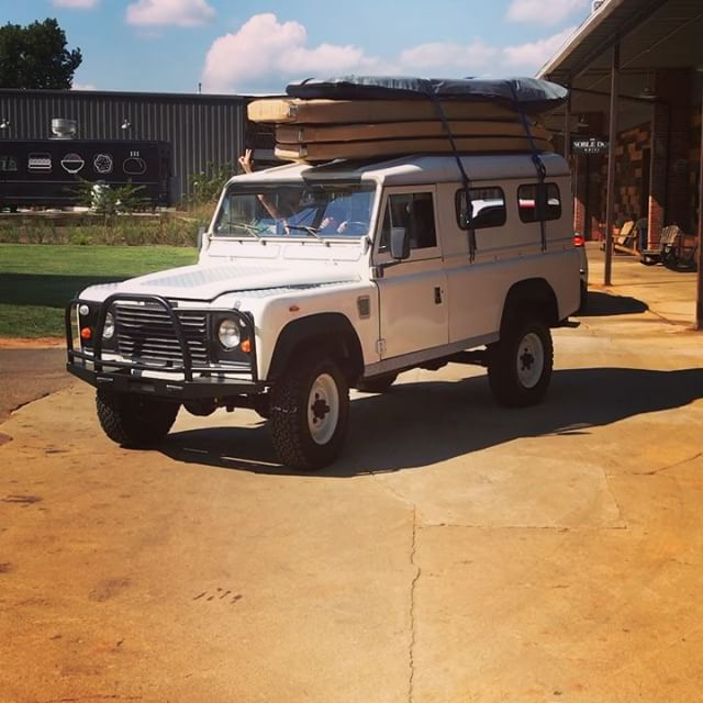 The weekend is here @paularallis. Get some!!! #weekend #standuppaddleboard #shemcreek #landrover