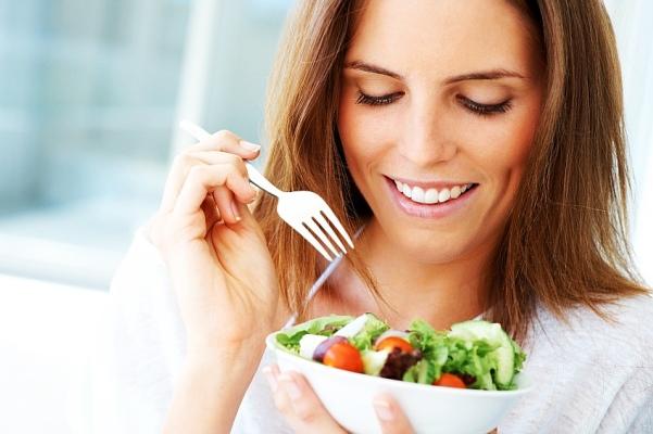 woman eating healthy.jpg