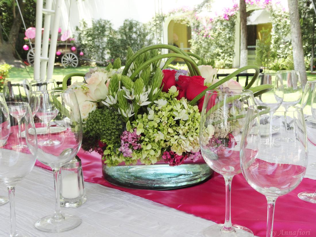 Decoración de bodas, centro de mesa bajo.jpg
