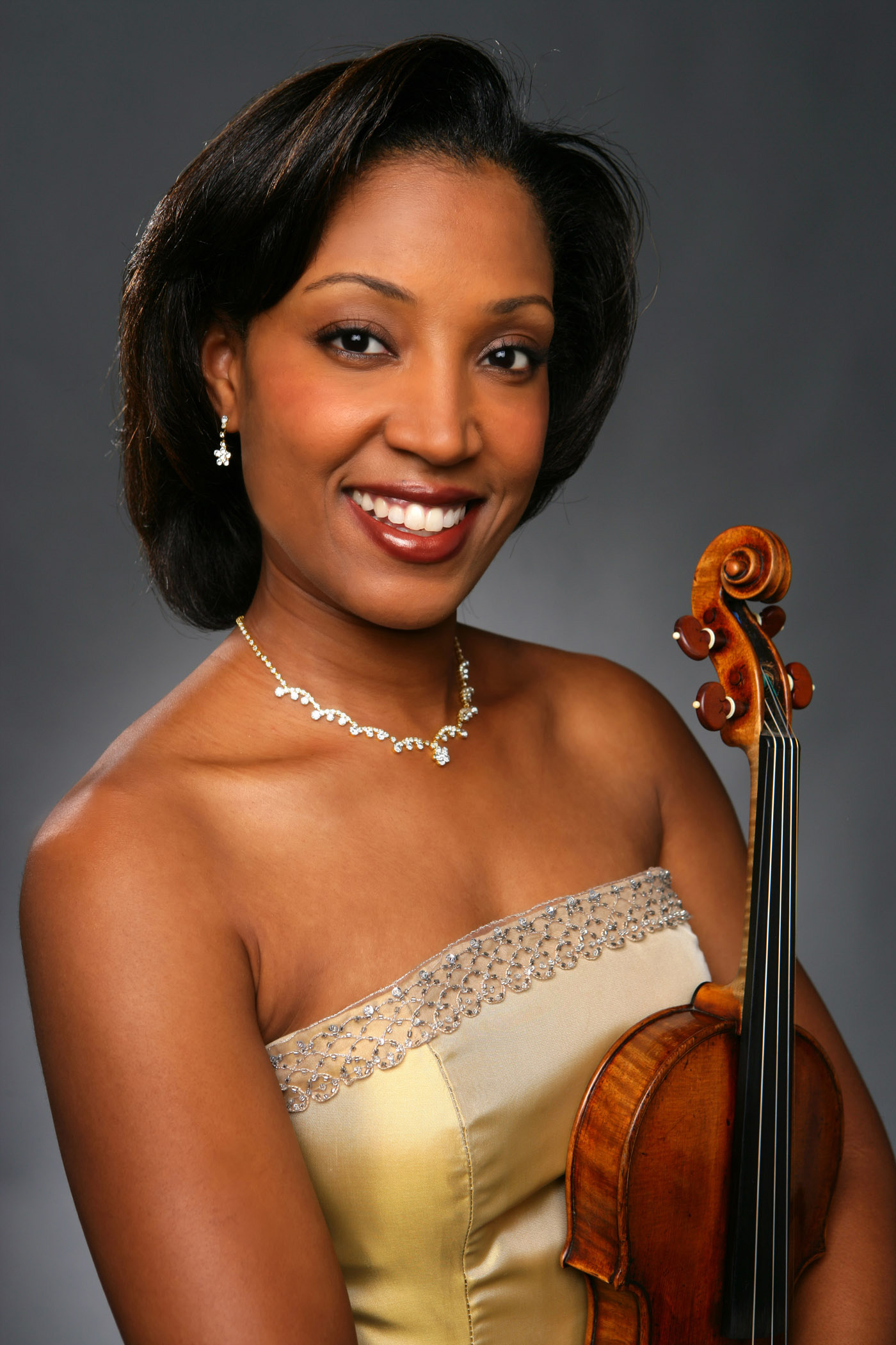 Kelly Hall-Tompkins, violin
