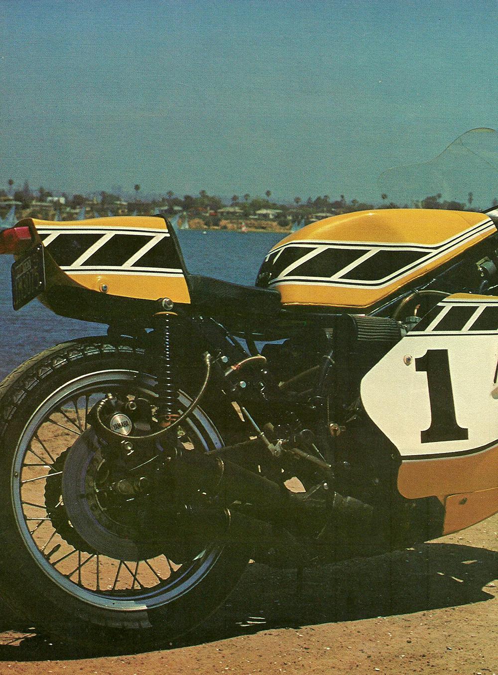 1978 Yamaha TZ750 Bumblebee Special test 01.jpg