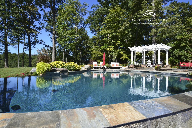 24-stride-studios-pool-infinity-vanishing-edge-terrace-pergola.jpg