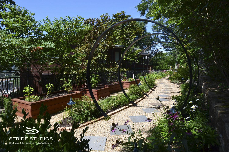 27-stride-studios-children-kid-garden-contemporary.jpg