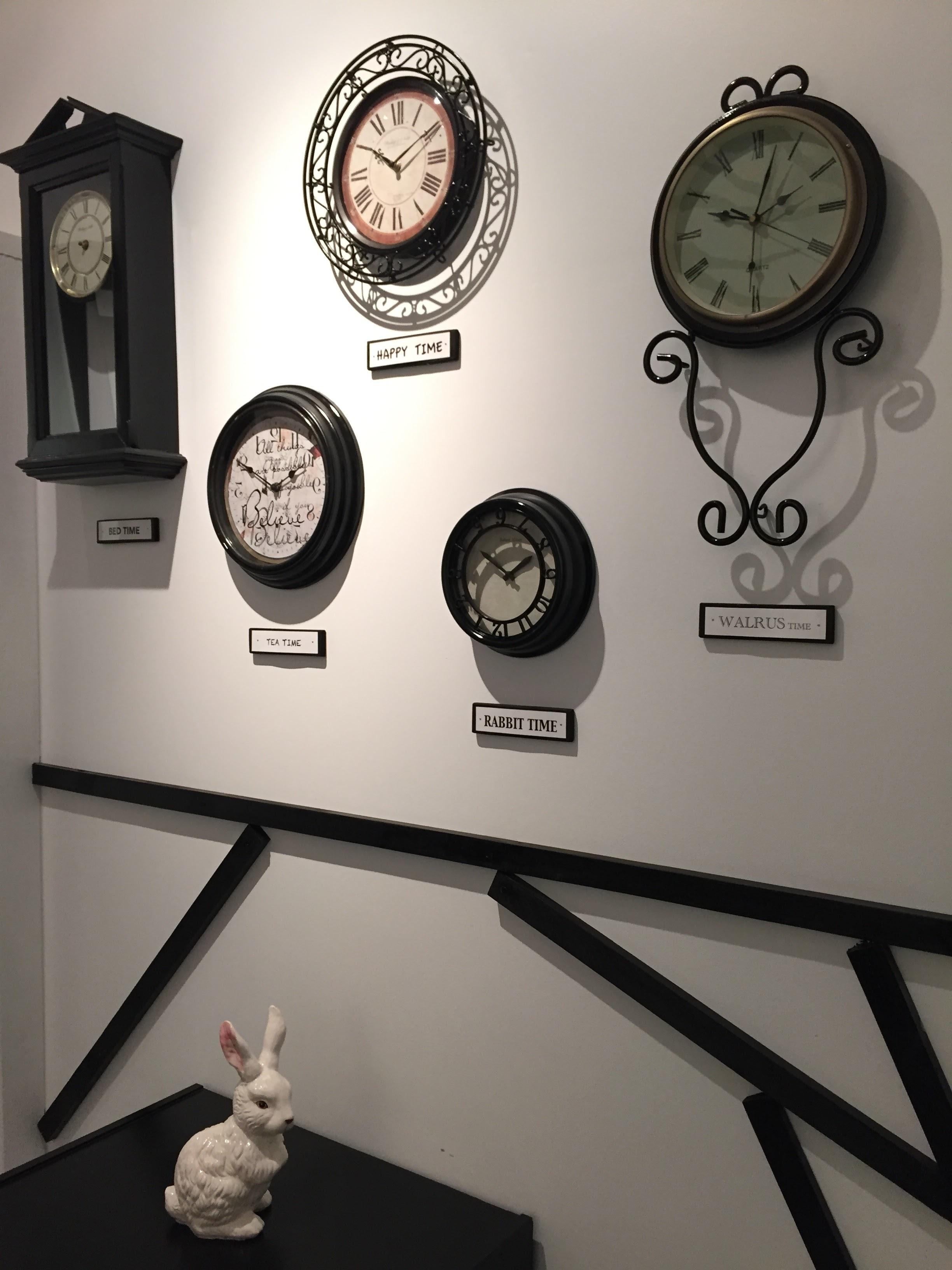 Alice - Clocks.JPG