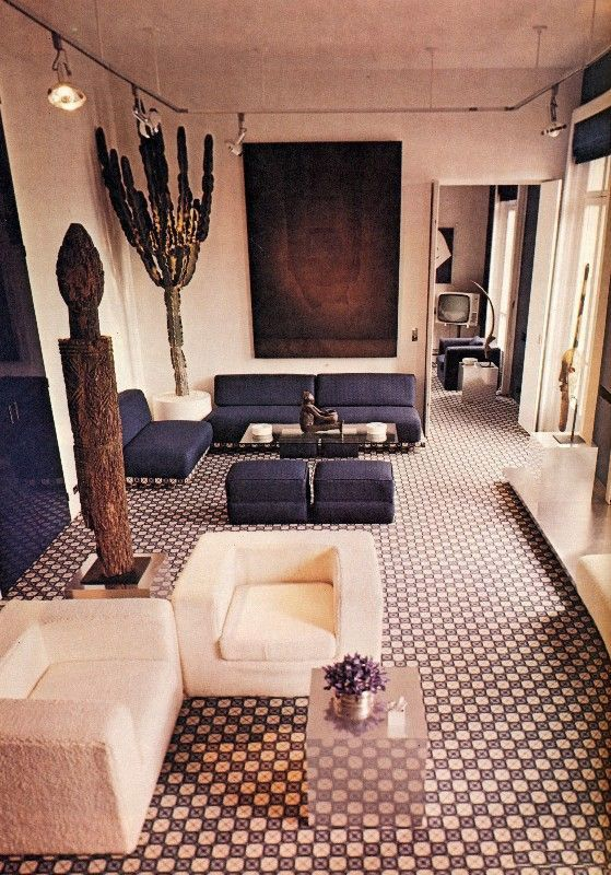 This well-designed 1970s apartment is timeless. It would be a darling of 2018 too!