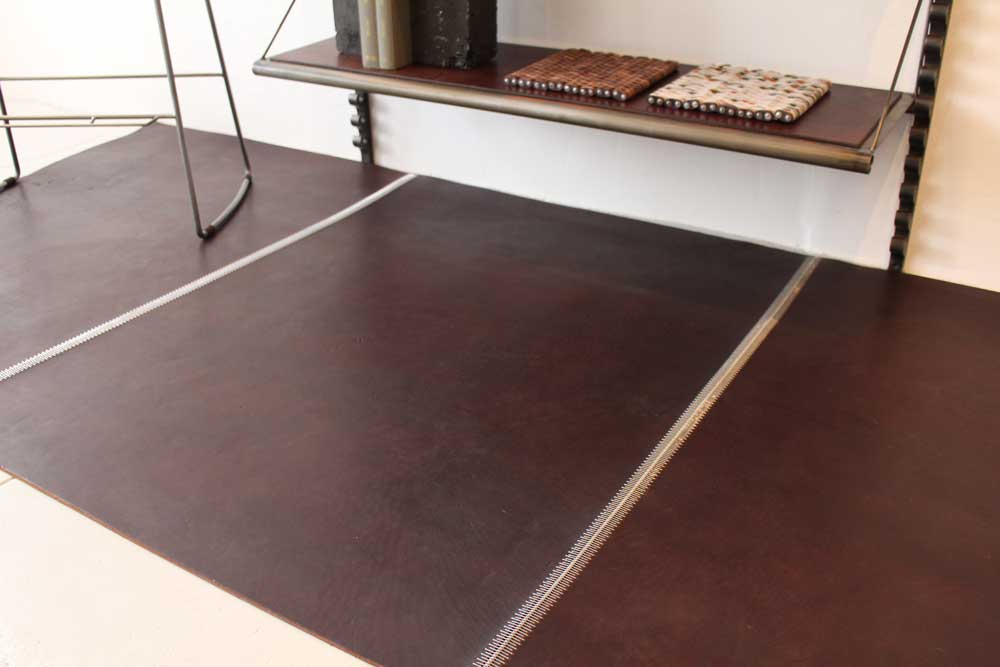 Bridle Leather Zip Flooring in Rich Brown