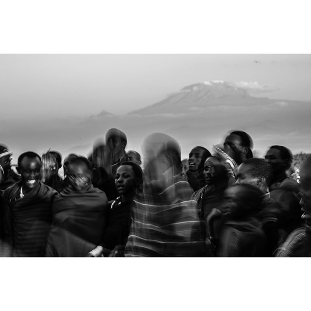 Photographer Max Melesi   @maxmelesi photographs Maasai in Amboseli, Kenya. Donated to our M'ilima rhino project online, 🌹🦏 link in bio.  #amboseli #kenya #safari #maasai #tribe #artist #photographer #africasafari #wildlife #nature #volcano #africanart #travelafrica #travelkenya #inspiration #wild #thenileculture #thenile_culture