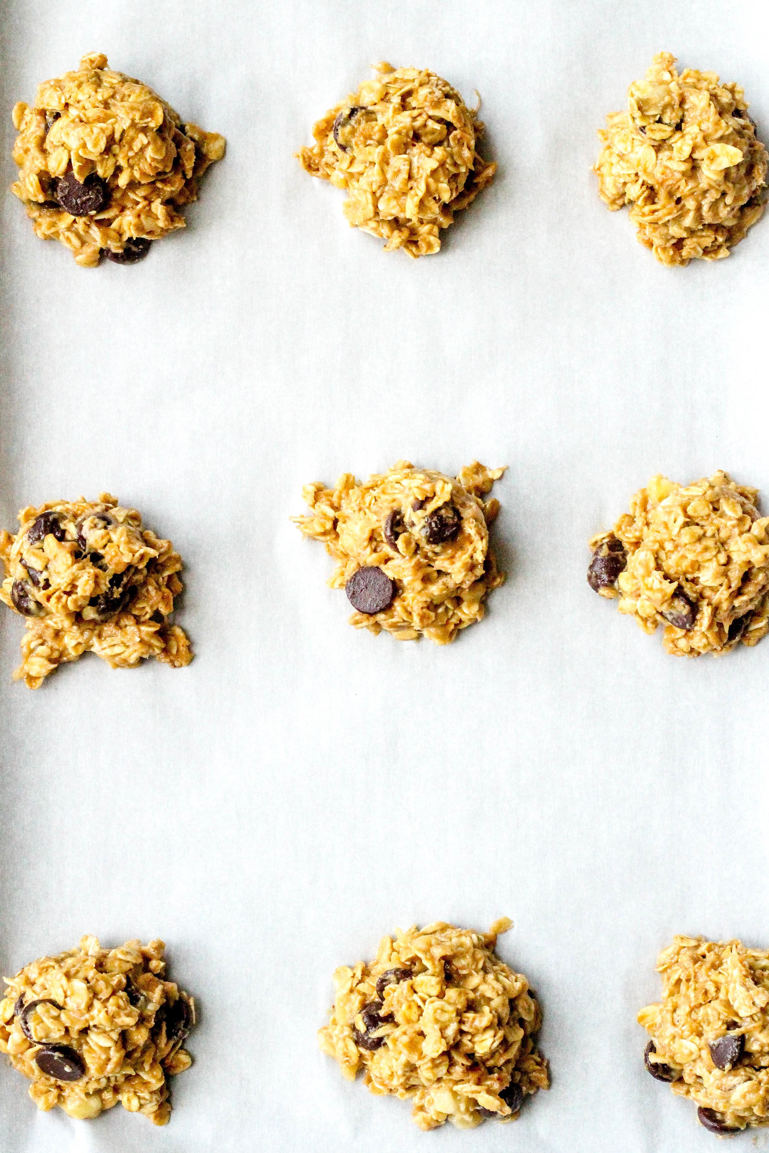 Peanut Butter Banana Chocolate Chip Oatmeal Cookies