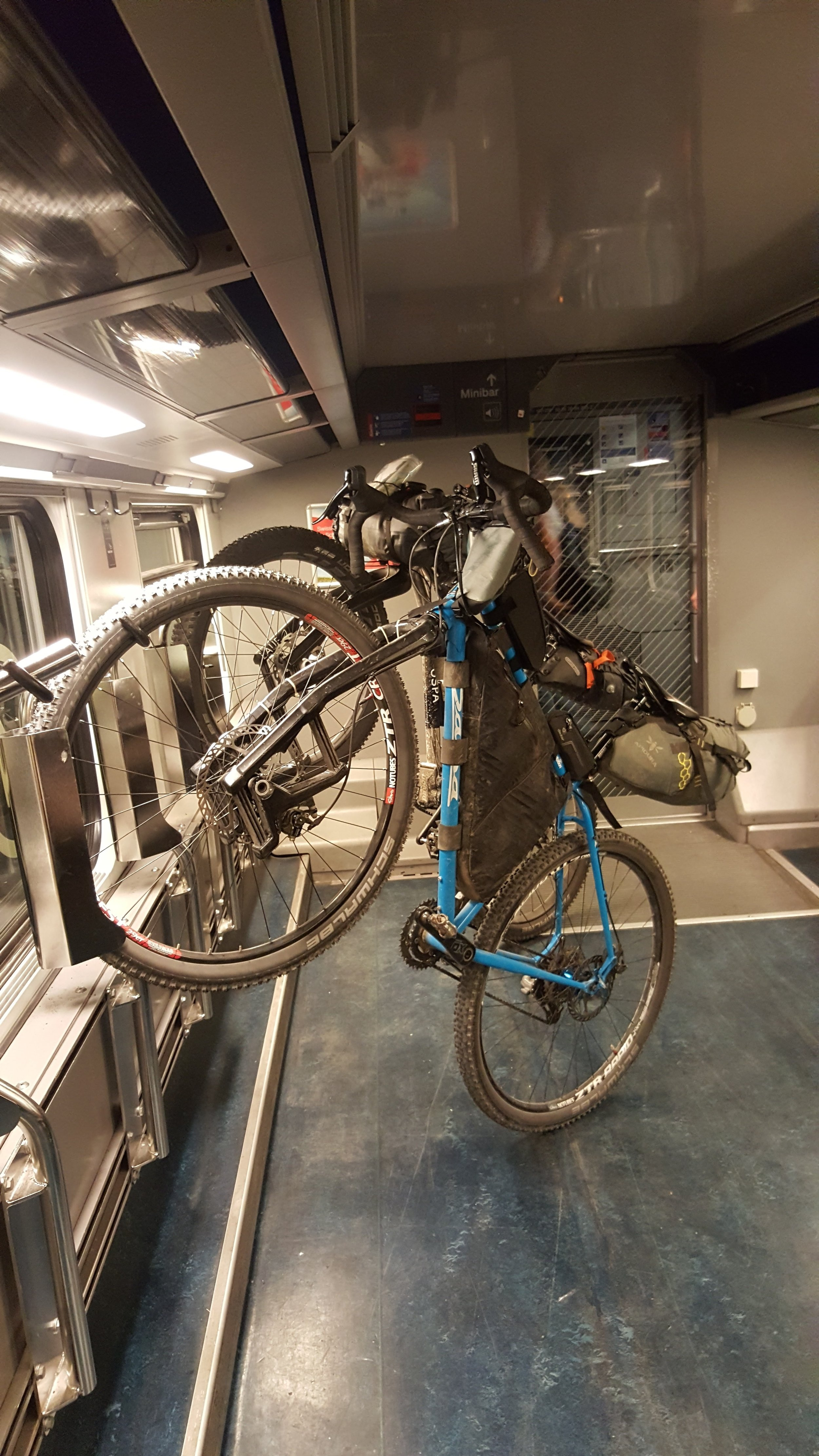 OSPA_Navad1000-travelling-by-train.jpg