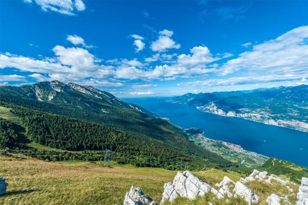 ITALY-DEVIDE-monte-Baldo.jpg