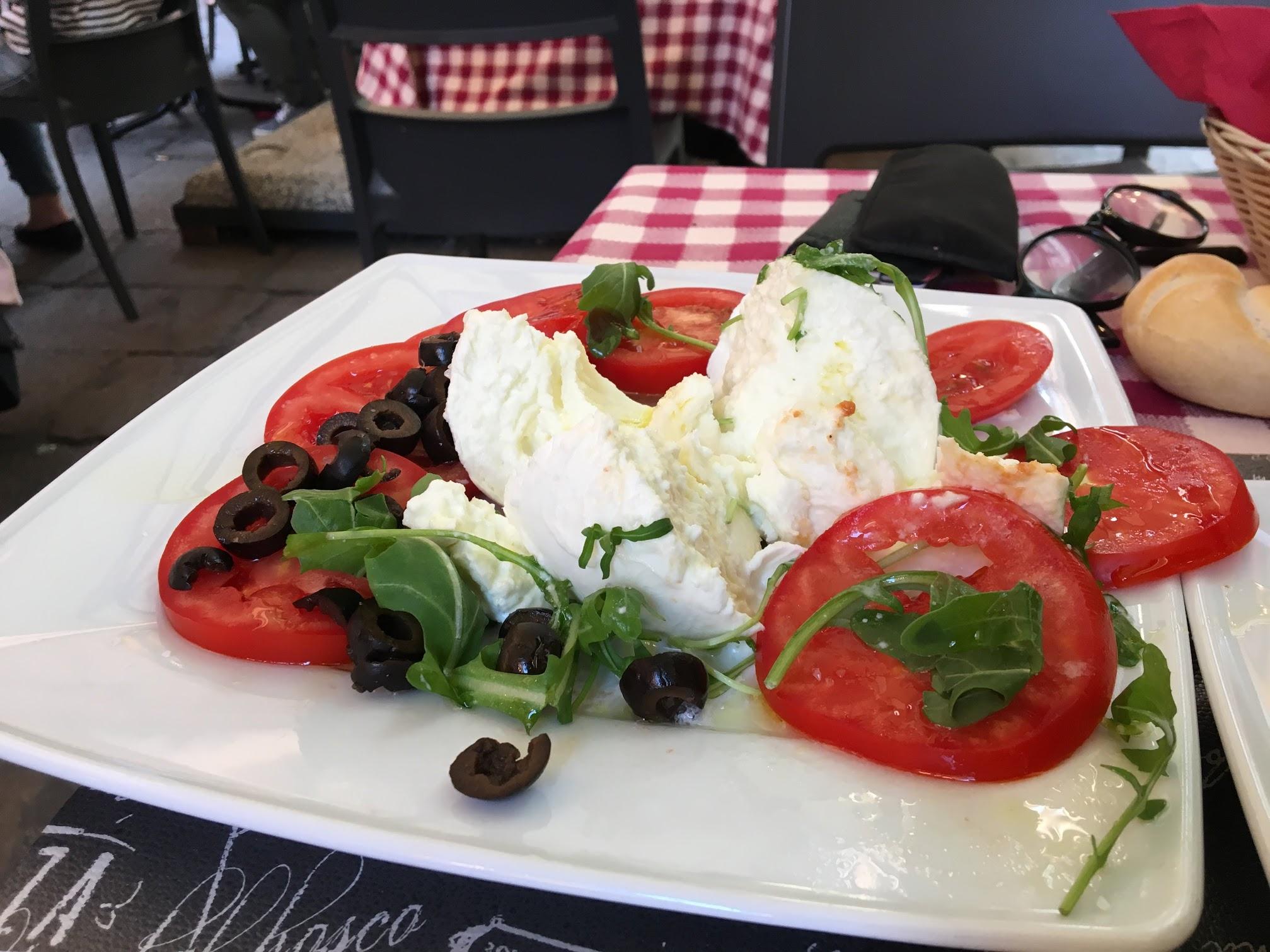 OSPA ITALY DIVIDE Day3-Fierenze_8pm-dinnertime2.JPG